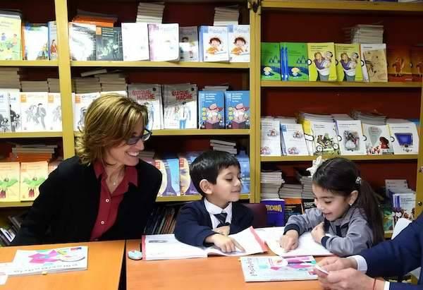 Ministra de Educación destaca a alumnos con 100% de avance en Plan Leo Primero