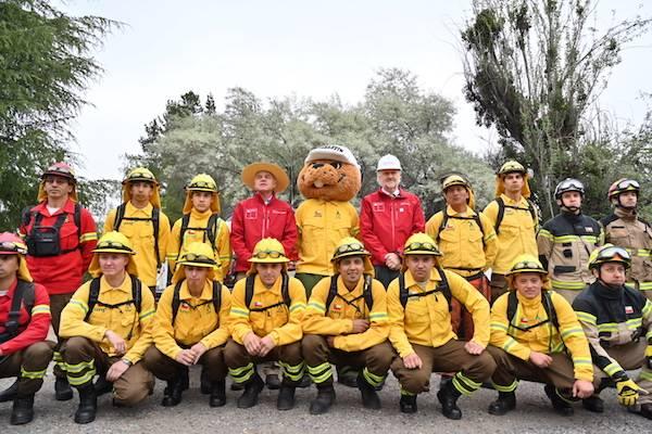 Mineras trabajarán coordinadamente con Conaf en la prevención y control de incendios forestales de las regiones Metropolitana y O'Higgins