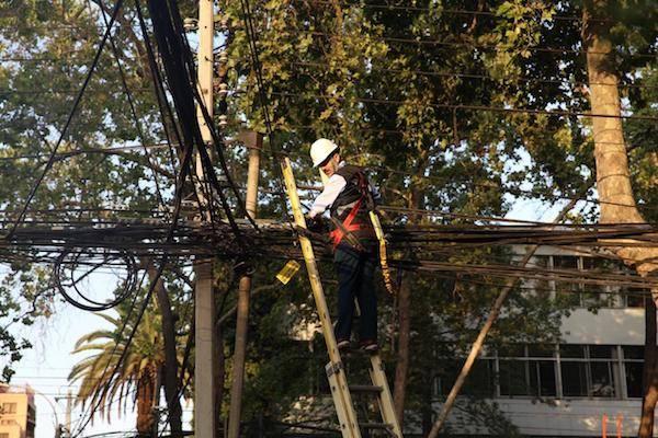 Gobierno proyecta que se retiren 3.000 kilómetros de cables de telecomunicaciones en desuso a marzo de 2022