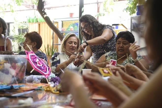 """""""Compromiso País"""": Primera Dama destaca nuevo programa que apoya a cuidadores que asisten a personas con dependencia"""