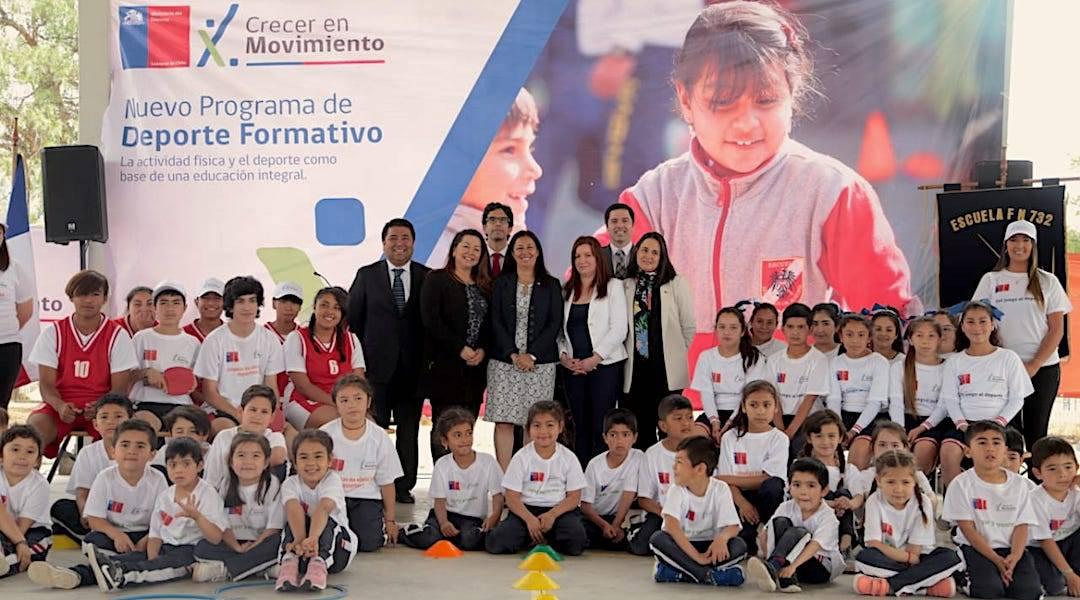 """Ministerio del Deporte lanzó programa """"Crecer en Movimiento"""" para reducir la obesidad infantil"""
