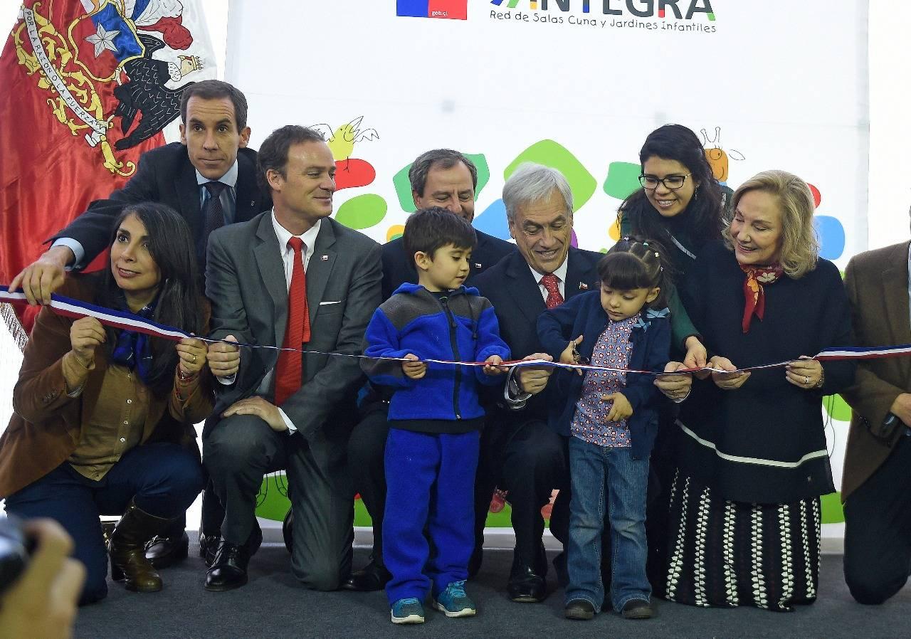 d418c4717e ... Cecilia Morel, inauguraron la sala cuna y jardín infantil