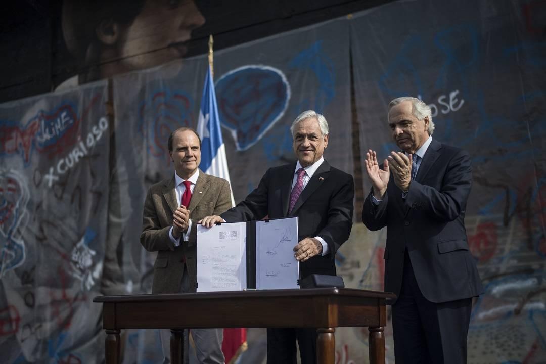 """Presidente Piñera firmó el """"Proyecto de Ley Conductas Antisociales"""" que busca sancionar acciones que afectan la convivencia ciudadana"""