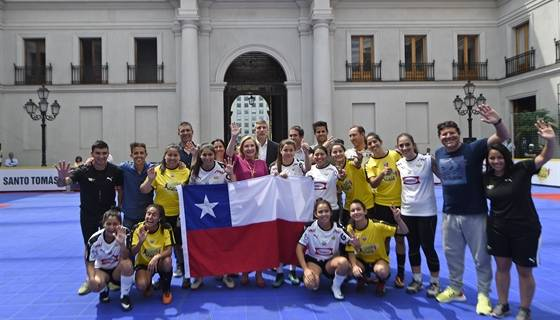 Primera Dama despide a selecciones de Fútbol Calle que representarán a nuestro país en el Mundial de México 2018