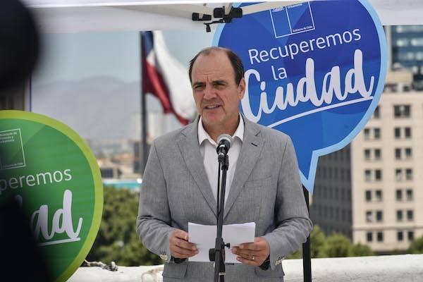Minvu anuncia las primeras 44 plazas que serán reparadas a nivel nacional tras actos vandálicos