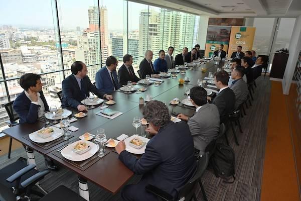 Ministro Prokurica encabeza reunión con empresarios chilenos y peruanos para evaluar trabajo conjunto en innovación