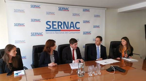 Ministro de Bienes Nacionales entregó al Sernac antecedentes de publicidad engañosa por ofertas inmobiliarias con playa privada