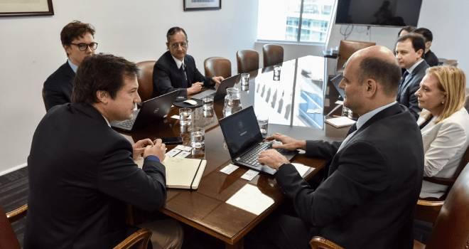Ministro Palacios se reúne con el FMI para analizar la situación y proyecciones económicas y da a conocer las medidas tomadas por la cartera